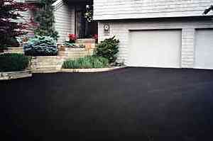 driveway sealing with sealcoat